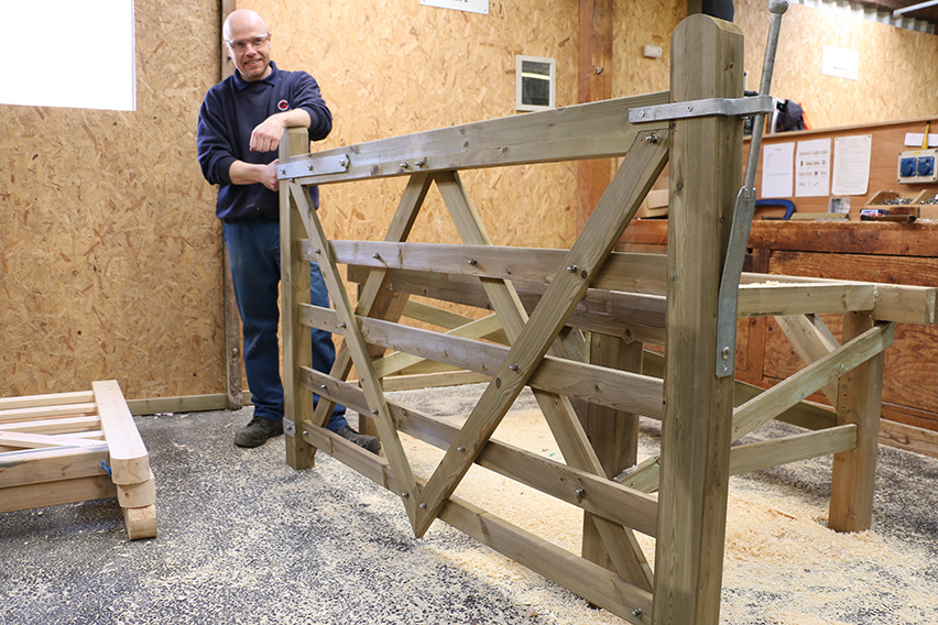 The completed gate should look like the one pictured here.